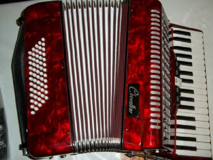 ACCORDEON 60 BASSES - 34 TOUCHES PIANO ROUGE MARBRE - NEUF - GARANTIE